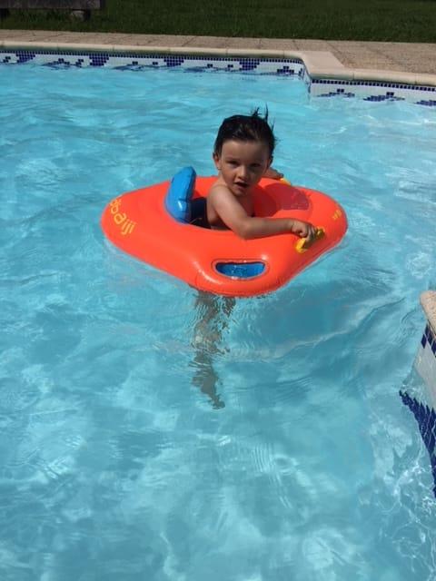 journée piscine pour léo aujourd'hui